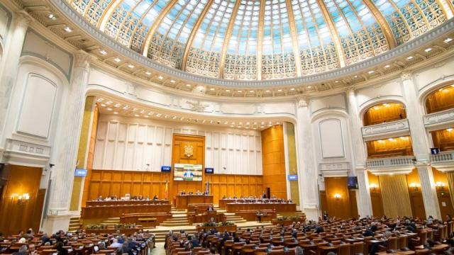 noul-parlament-se-reuneste-in-prima-sedinta-–-alegerea-presedintilor-camerei-deputatilor-si-senatului
