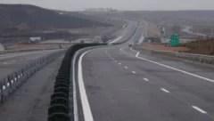patru-variante-de-traseu-pentru-autostrada-brasov-bacau,-prezentate-de-proiectant.-realizarea-documentatiei-este-in-grafic