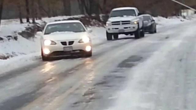 avertizare-de-polei-pentru-autostrada-a3-bucuresti-–-ploiesti.-autoritatile-anunta-ca-imprastie-material-antiderapant