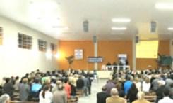 Comunidade reúne mais de 300 pessoas em busca de segurança