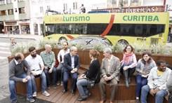 Rua Riachuelo ganha espaço para lazer e convivência de pedestres
