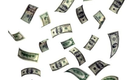 Tribunal e Ministério Público  pagam supersalários