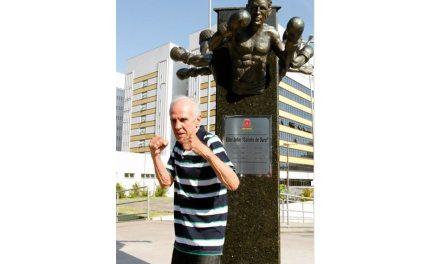 Éder Jofre comemora 80 anos em Santos