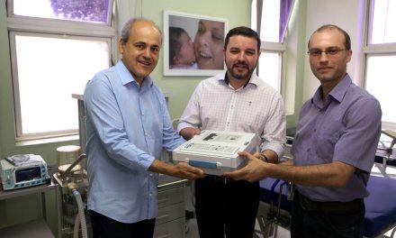 Fruet entrega novos equipamentos na Maternidade Bairro Novo