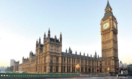 Após um século Big Ben entra em silêncio