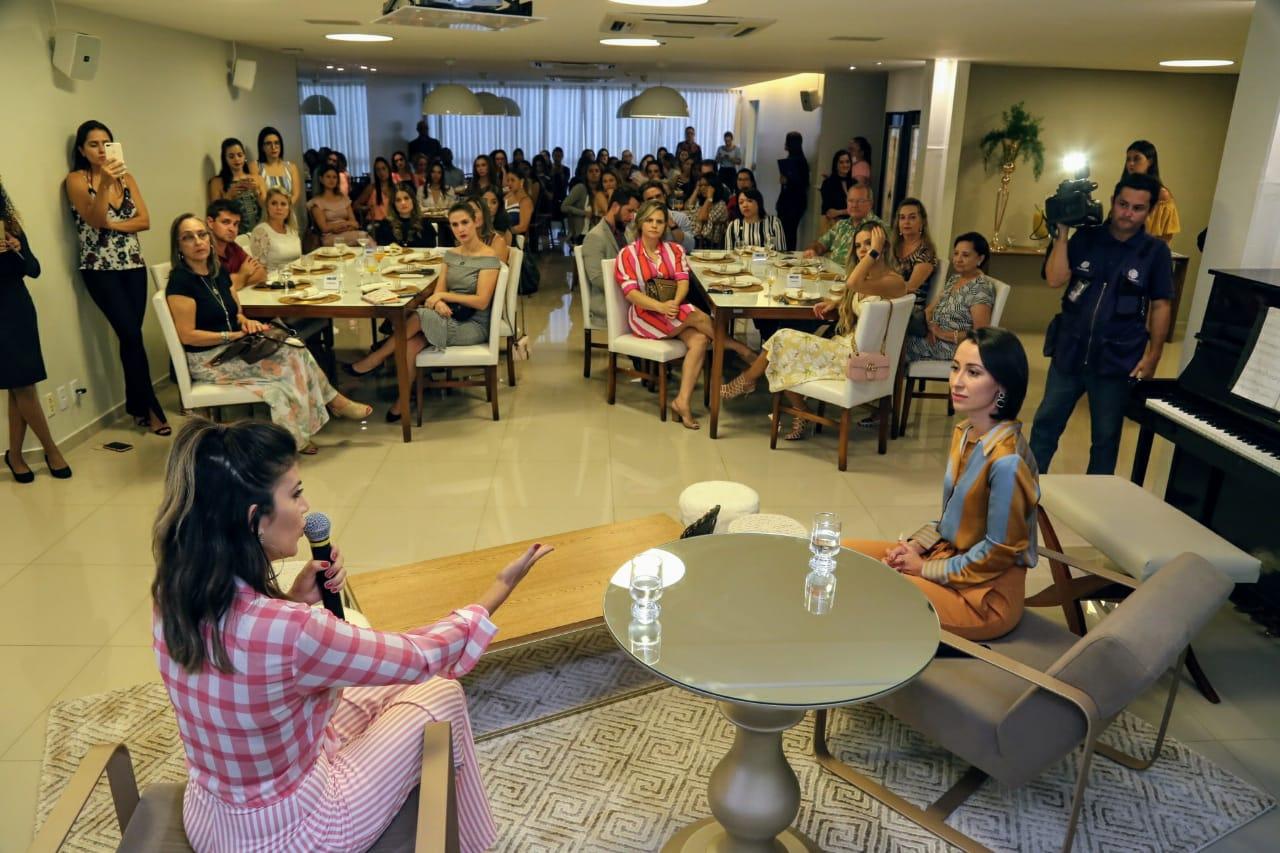 f418a6f4f5 Tendências internacionais de moda é tema de workshop promovido para ...