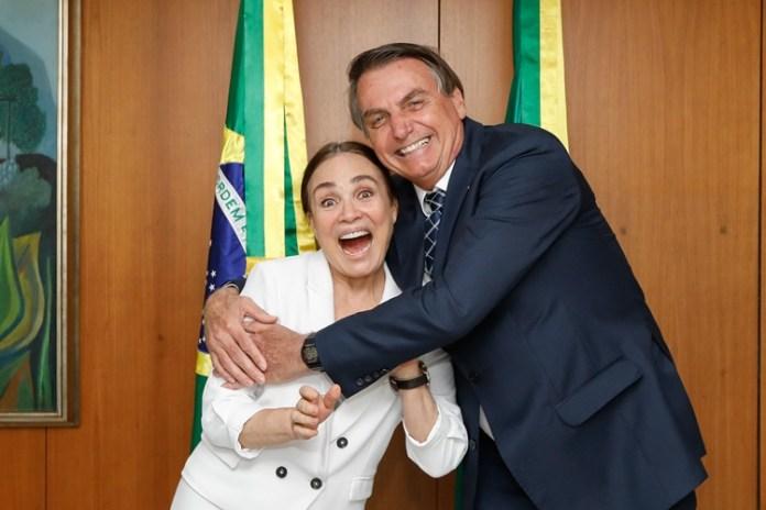 Presidente Jair Bolsonaro durante encontro com Regina Duarte. Foto: Carolina Antunes/PR/