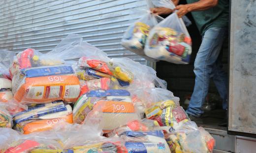 Desde março de 2020, já foram distribuídas mais de 410 mil cestas básicas, por compra direta, na ação emergencial do Governo do Tocantins, por meio da Setas