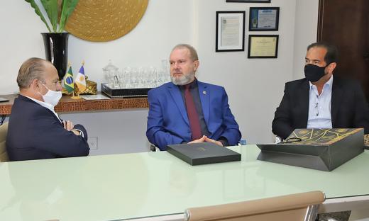 Durante encontro com Governador,foram debatidas formas de apoiopara viabilização de projetos estruturantes para o Tocantins