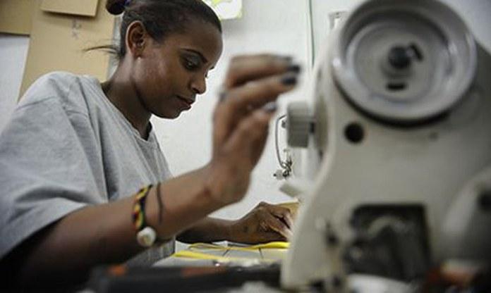 Na sexta alta seguida, setor de serviços avança 2,6% em novembro