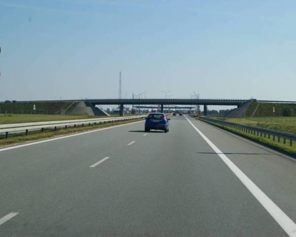 Un tronson din Autostrada Transilvania va fi gata în noiembrie 2012