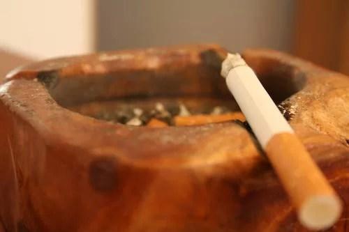 De joi 17 noiembrie se schimbă ţigările