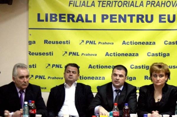 Biroul interimar al PNL Prahova a susţinut o conferinţă de presă/Vezi primele declaraţii oficiale