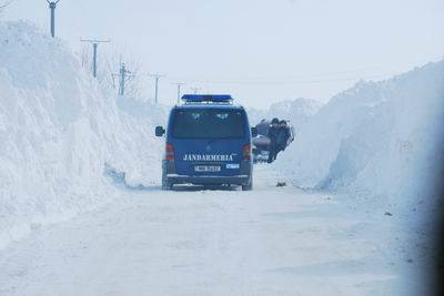 Jandarmii prahoveni – misiune în zonele sinistrate din Buzău/GALERIE FOTO