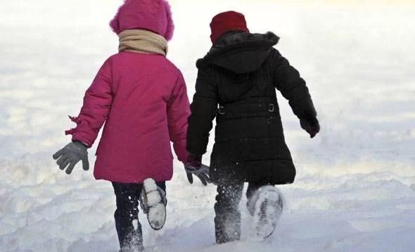 Joi, 12 ianuarie, se reiau cursurile la şcolile din Prahova