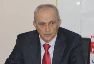 Mircea Cosma îi dă replica Robertei Anastase: Nu are vârsta câţi ani de muncă am eu şi vorbeşte despre copilărie