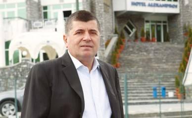 Primarul Emanoil Savin a oferit 2.000 de cadouri pentru copiii din Buşteni