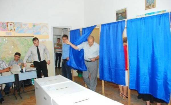 Întârzieri şi nervi la Biroul Electoral Ploieşti