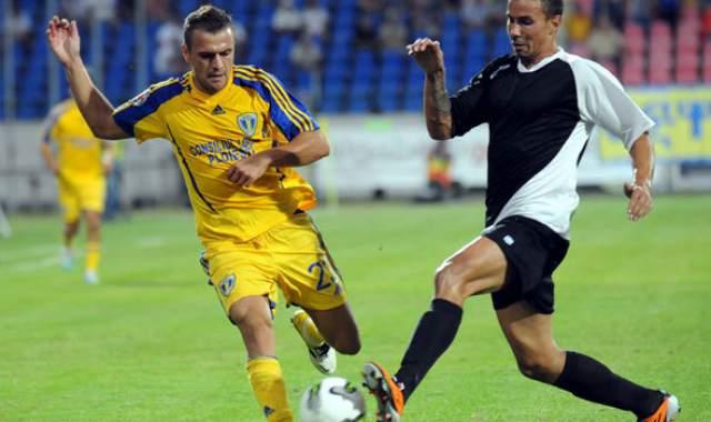 """Foştii jucători aduşi de Vivi Răchită pe """"Ilie Oană"""" îşi găsesc alte angajamente în Liga I"""