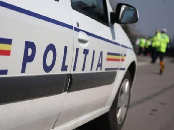 Focuri de armă pentru a reţine un şofer din Blejoi în trafic