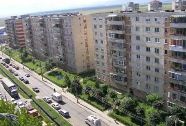 Primăria Ploieşti vinde locuinţe şi terenuri
