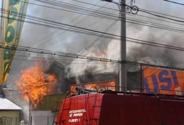 Incendiu pe strada Gh.Gr. Cantacuzino GALERIE FOTO