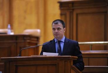 "Mircea Roşca: ""Ponta a dat PNL tot falimentul, iar PSD a luat banii"""