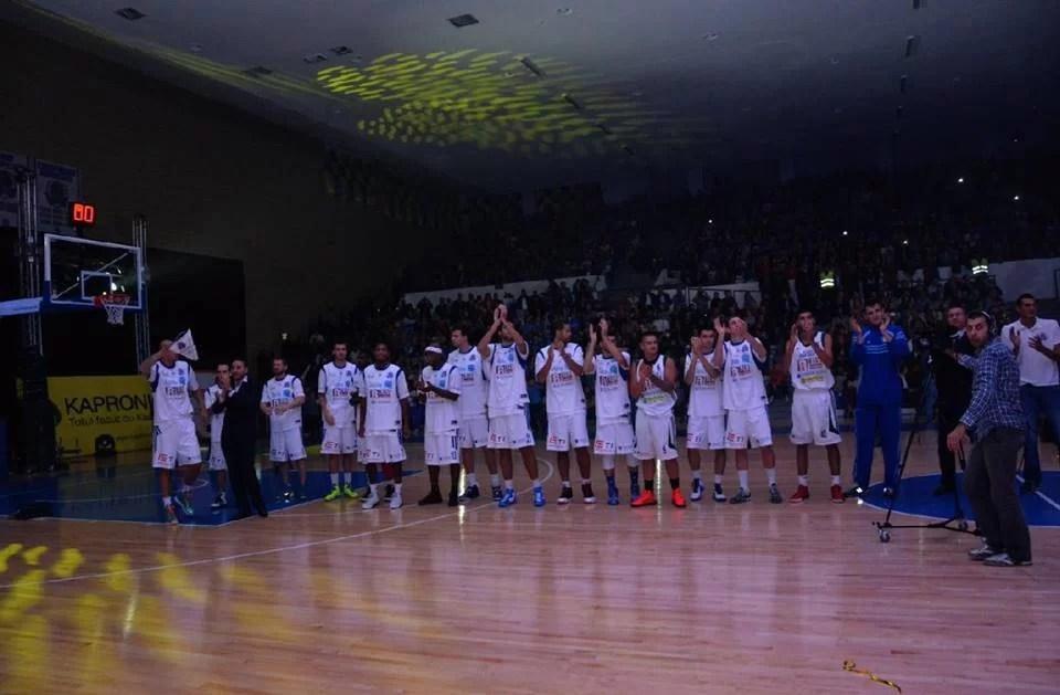 Premierul Victor Ponta și miniștrii Liviu Dragnea și Nicolae Bănicioiu au onorat cu prezența inaugurarea renovatei săli Olimpia din Ploiești
