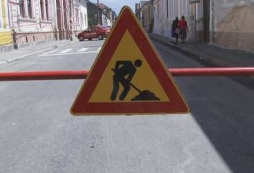 Străzile Ploieştiului, făcute praf pentru înlocuirea conductelor de gaze