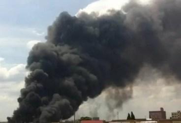 """Viaţa în Mitică Apostol: """"Murim în gunoaie şi fum de cauciucuri arse"""""""
