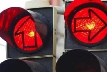 Intersecţia din Ploieşti din care au dispărut semafoarele, un pericol pentru şoferi