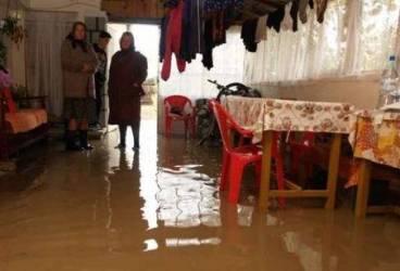 Bilanţul inundaţiilor în Prahova: un mort şi 13 localităţi afectate