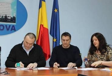 S-a semnat contractul de execuţie pentru pasajul de la Gara de Vest