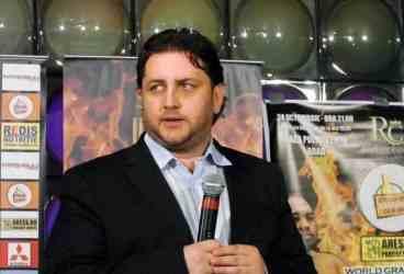 Eduard Irimia se întoarce acasă, la Ploiești, cu un inedit super show