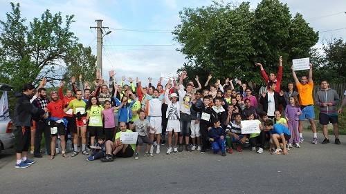 Vor alerga 100 de kilometri într-o zi,  pentru 400 de copii orfani de la Valea Plopului