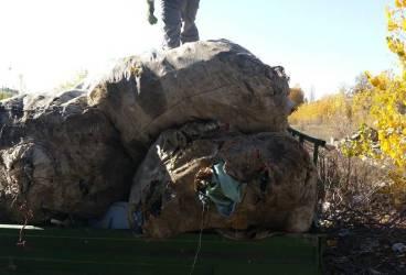 Depozit de peturi adunate de la gunoi descoperit pe strada Arhip Nicolae