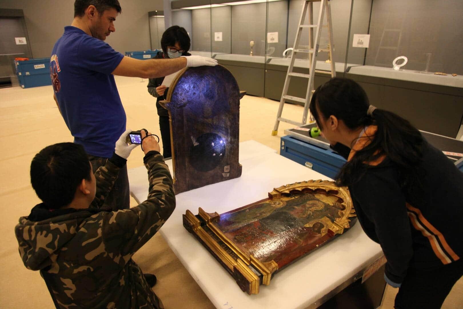 Exponate ale Muzeului de Istorie Prahova – într-o expoziţie eveniment în China