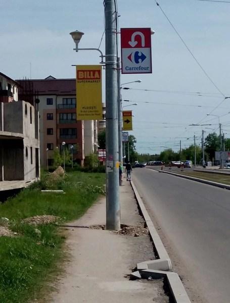 Proiect european la Ploiești: trotuarul cu stâlpii pe mijloc