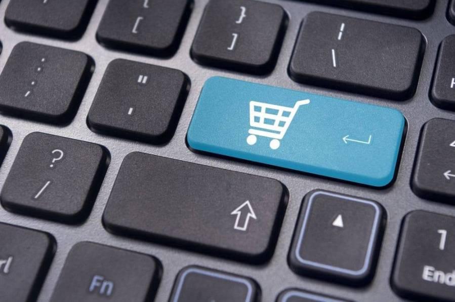 Cum să nu-ţi iei ţeapă când faci cumpărături online. Sfaturile poliţiştilor