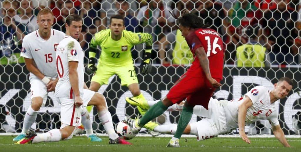 """Chinuită în grupă, Portugalia este prima… semifinalistă de la EURO. """"Puștiul"""" Sanches și """"veteranul"""" Quaresma – decisivi!"""