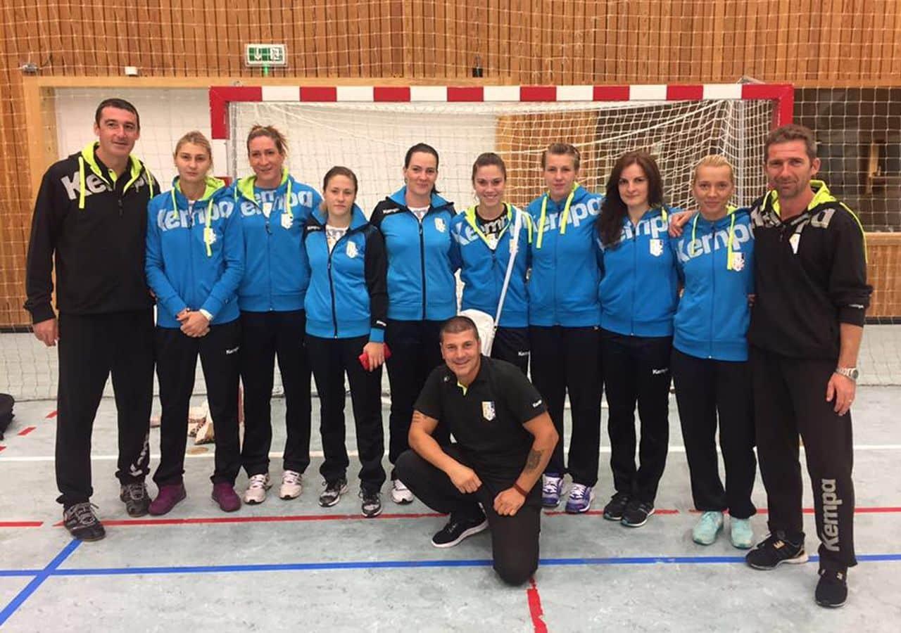 Micuța delegație a handbalistelor de la CSM Ploiești se întoarce sub scut din Insulele Feroe! Victorie în turul cu HC Neistin