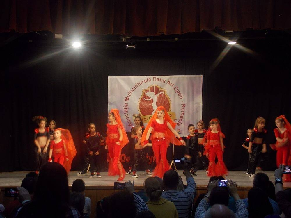 """BUSTENI. Centrul Cultural """"Aurel Stroe"""", gazda concursului de dans """"D'Aor Grand Prix"""""""
