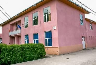 Investiţii în modernizarea şcolilor din Tomşani