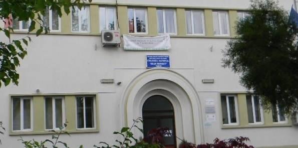Programul after-school de la Colegiul Jean Monnet a fost suspendat. Reacţia primarului Adrian Dobre