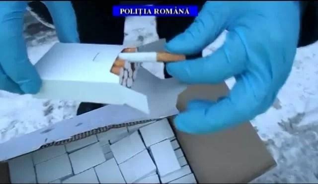 39.000 de ţigări produse ilegal descoperite într-o maşină, pe DN1, la Sinaia – VIDEO
