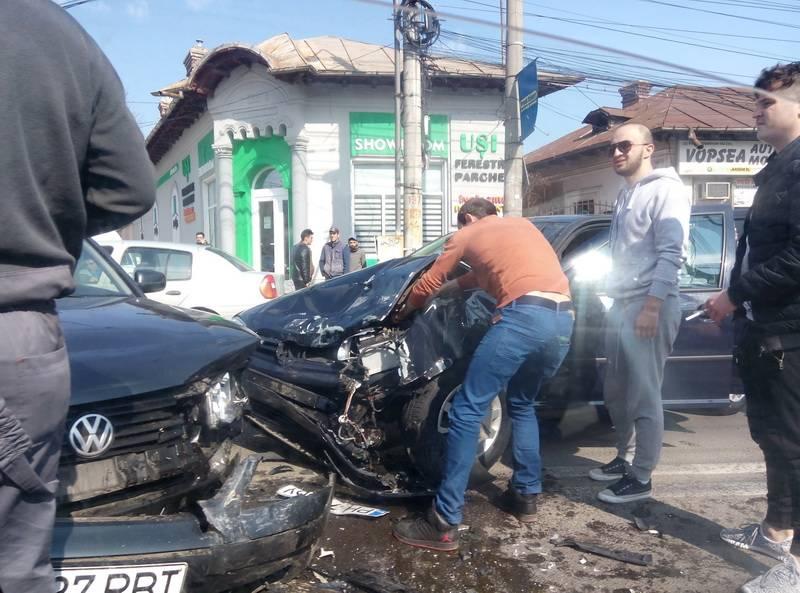Accident pe strada Gh. Gr. Cantacuzino din Ploieşti – GALERIE FOTO