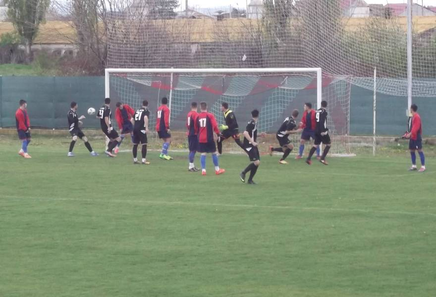 """""""Meciul"""" lui Lambru cu sine însuși. Golgheterul Ligii A și-a securizat poziția, dar a fost și """"campionul""""… marilor ratări!"""