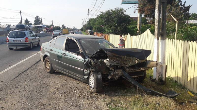 Accident pe DN1, la Potigrafu. Trei maşini implicate