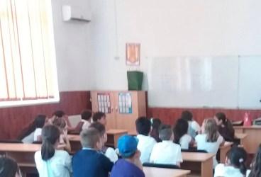 Au ajuns noile manuale la elevii de clasa a V-a? Răspunsul ministerului