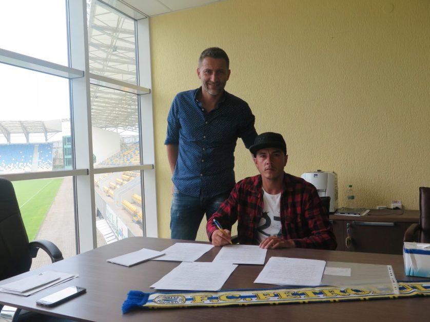Alexandru Vagner semneaza cu FC Petrolul, FC Petrolul Facebook Official